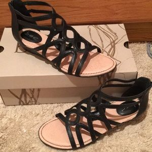 NWT B.O.C. Born concept TYRA Sandals shoes black 8